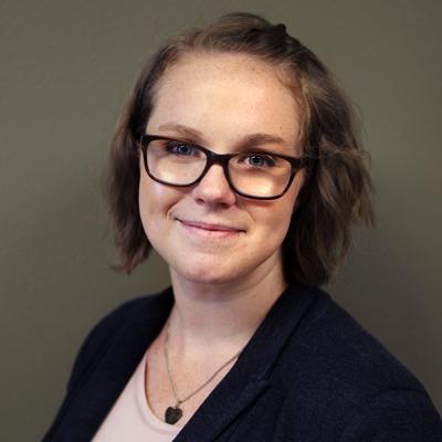 Amanda Vigneau Headshot